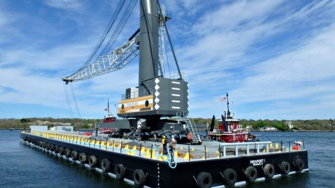 440 Ton Barge Mounted Liebherr Lhm 550 Harbor Crane