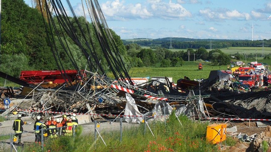 German construction worker killed, 6 injured in bridge scaffold collapse