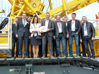 Mammoet has ordered a large number of LR 1500 cranes