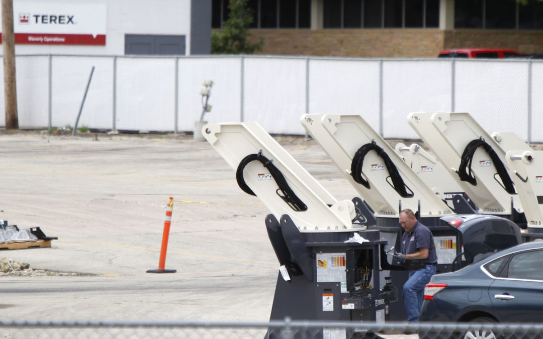 Displaced Terex workers 'sought-after commodity' in Waverly, Iowa