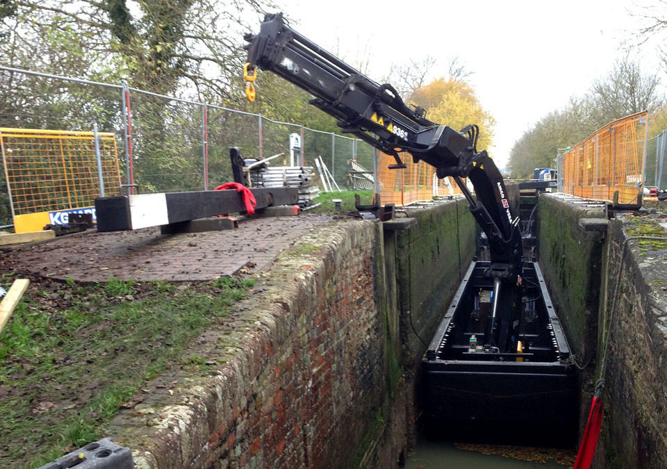 Check out this one of kind 36-ton Amco Veba mounted on 50′ narrowboat in the UK