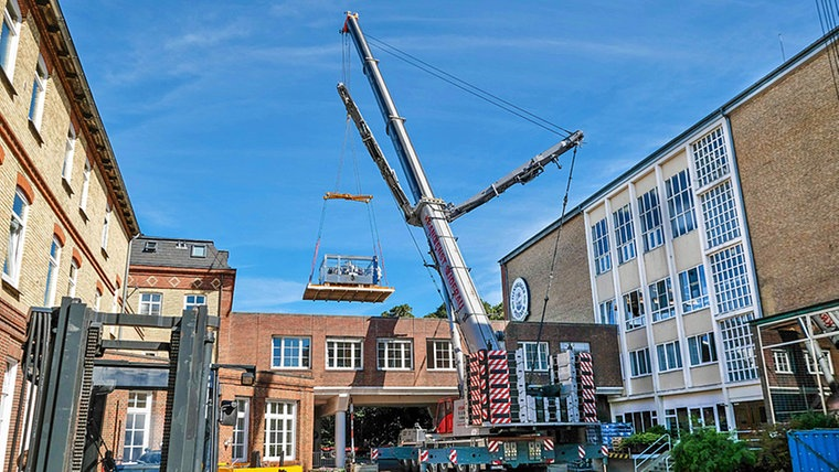 Pictures of All Terrain Cranes working at German Brewery