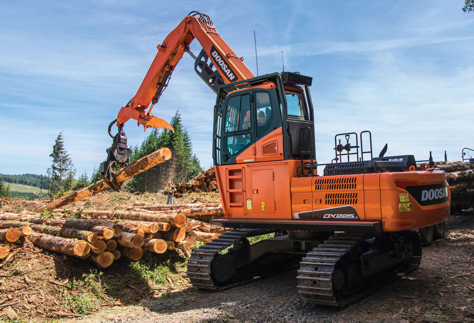 New Doosan DX225LL-5 log loader built strong for forestry and