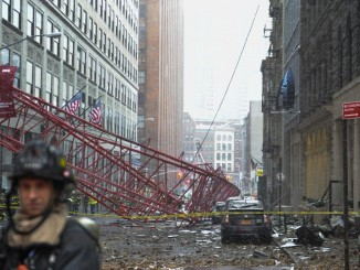 The group of construction trade organizers and unions are suing the city over a crane safety regulation law that is hurting their business operations. (DANIELLE MACZYNSKI/NEW YORK DAILY NEWS)