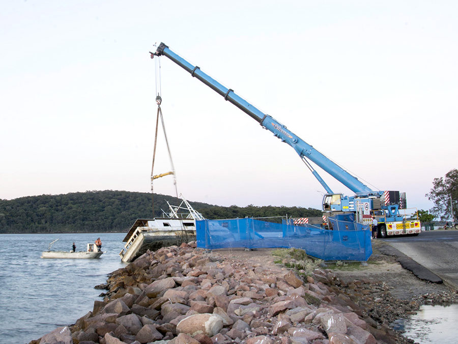 Wheeler Cranes salvages trawler moored north of Sydney with a Liebherr LTM 1250-6.1
