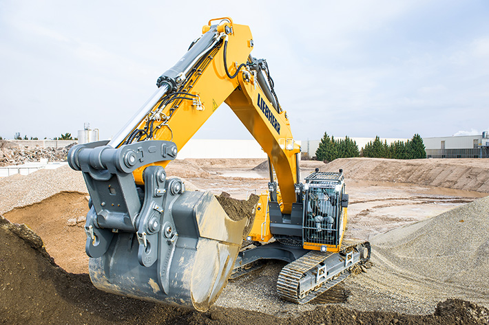 Liebherr is presenting the R 946 at Smopyc 2017 – its first stage IV/ Tier 4f crawler excavator on the market