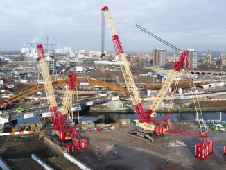 Bird's eye view – the derrick ballast on the LR 11350 is 30 metres from the turntable in this configuration.