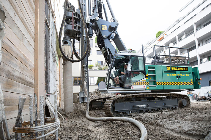 New Piling and Drilling Rig model LRB 16 from Liebherr