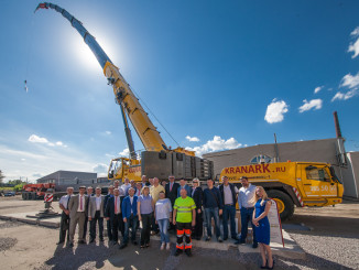 Manitowoc's newest Grove distributor in Russia, Kranark, hosted a Grove open house event in June that showcased a Grove GMK6300L, one of the world's best-selling all-terrain cranes, to several of the country's most important lifting companies and government officials. The event was held at Kranark's St. Petersburg headquarters, and in addition to several Russian lifting companies, it attracted members of the Ministry of Emergency Situations, a Russian government department responsible for providing rapid emergency response.