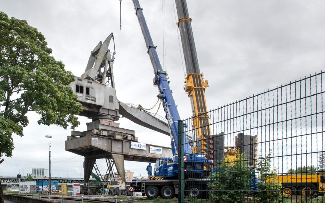 In Switzerland, an Old Harbor Crane is prepped for new life as a restaurant-Pictures