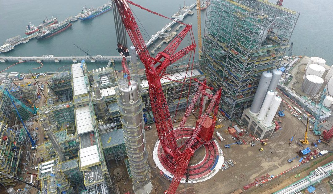 Mammoet PTC 200 DS ringer crane handles S-Oil refinery expansion project in South Korea