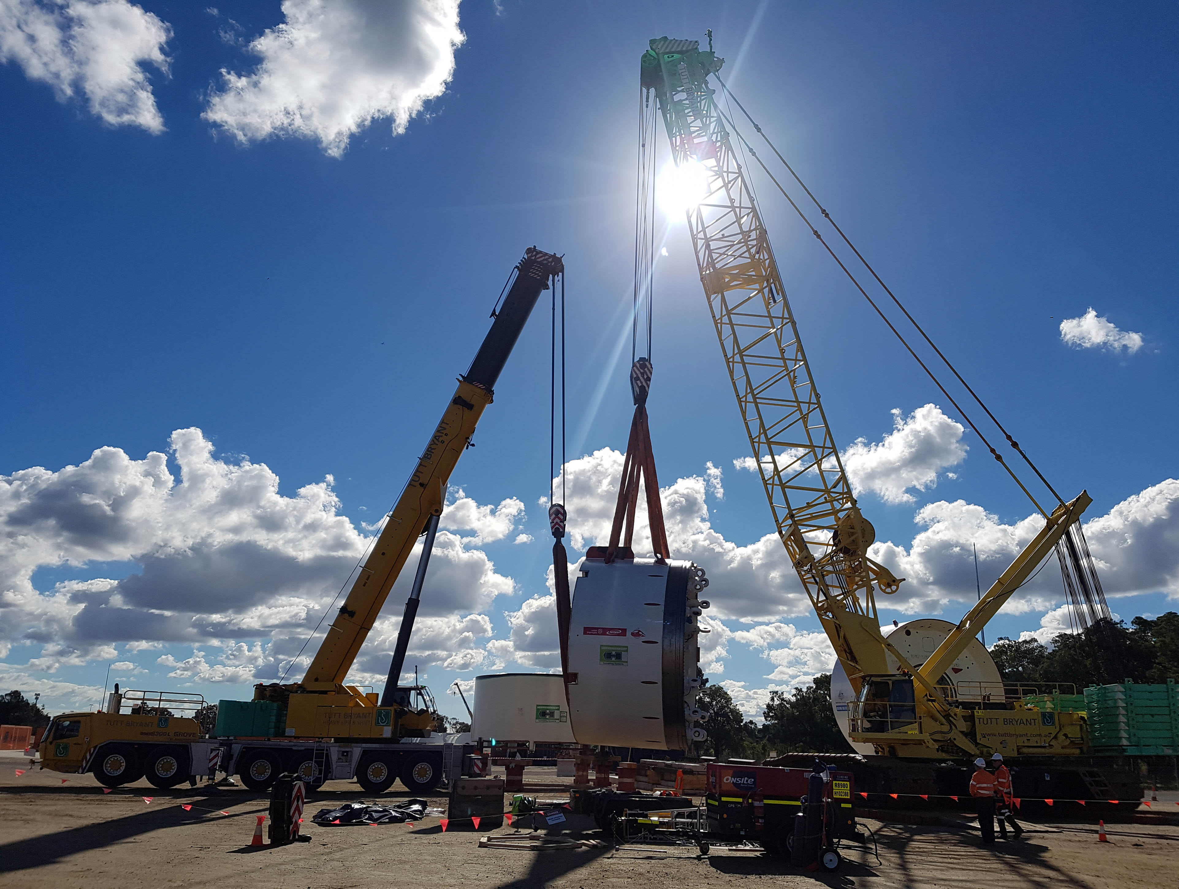 The Forrestfield-Airport Link will be a new subway system linking downtown Perth with the Western Australian city's airport. Tutt Bryant Heavy Lift & Shift provided the lifting power to build one of the Tunnel Boring Machine (TBM) units, and sent its 650 t capacity Manitowoc MLC650 to handle the task.