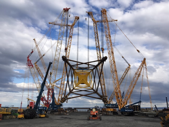 Saren's uses four Demag Crawler Cranes for Offshore Windfarm Project in Northern Scotland