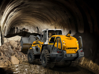 A Liebherr L 566 XPower® wheel loader with tunnel package handling excavated material.