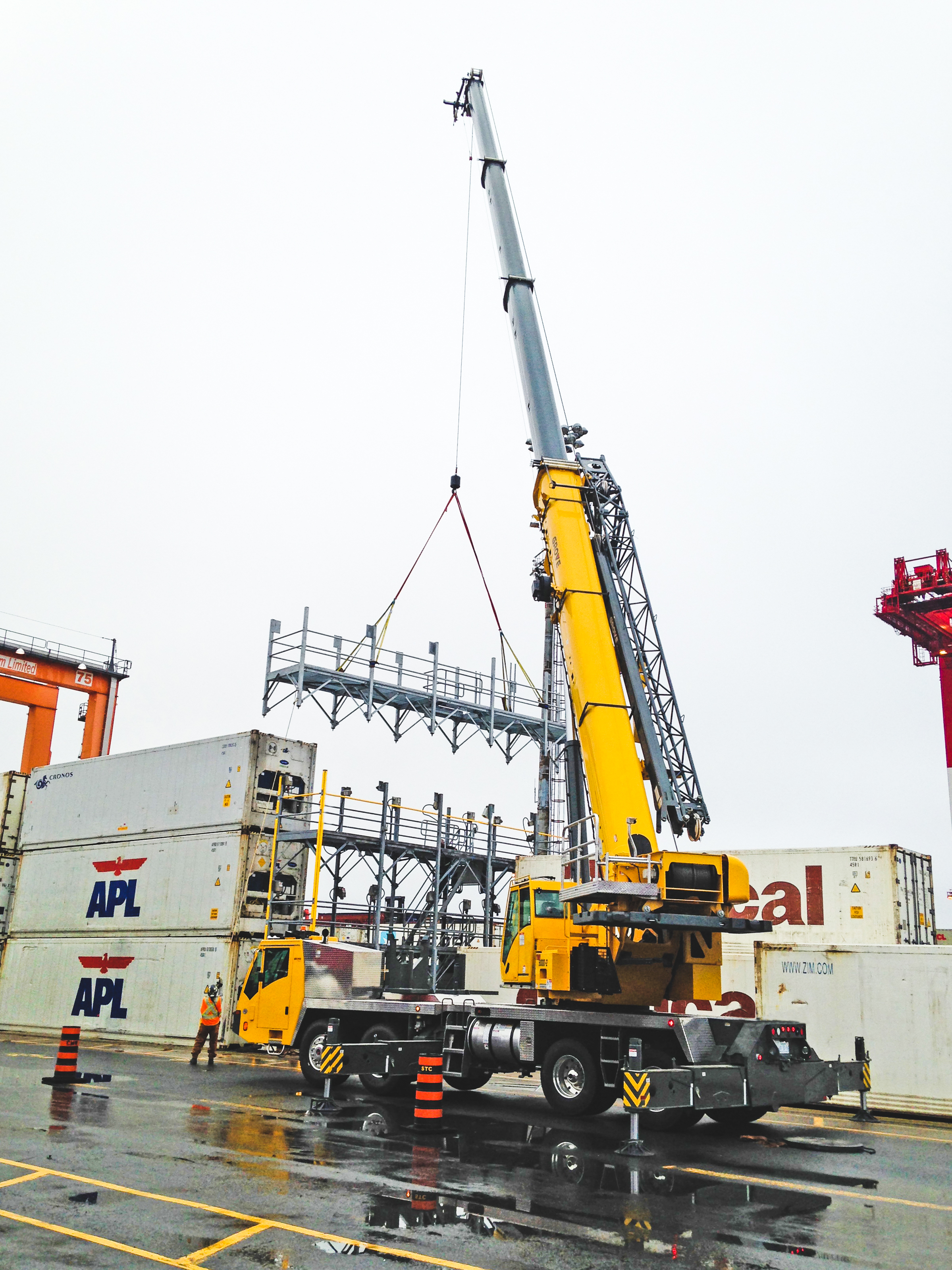 When Manitowoc introduced the Grove TMS9000-2 in February of 2017, it also revealed the mantra behind the crane's design: lighter, longer, stronger. It was these very same attributes that led R&D Crane Rental (R&D) to be the first company in Canada to take delivery of the new-model truck crane.