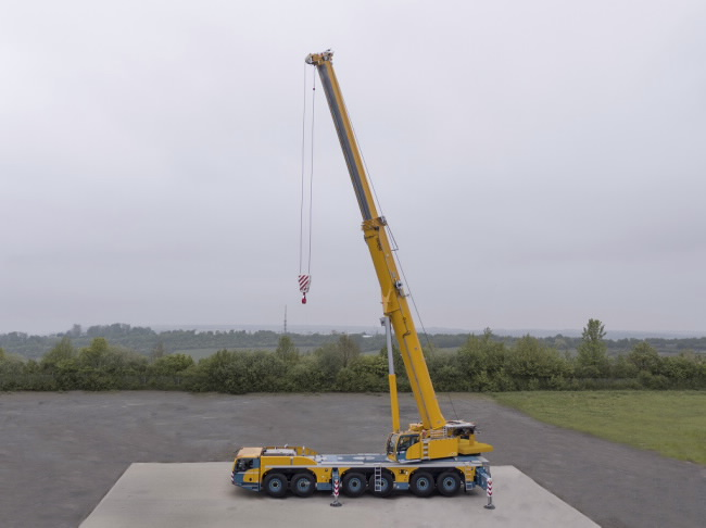 Scholpp Kran & Transport ordered three Demag AT Cranes, a AC 300-6, AC 700-9 and AC 220-5