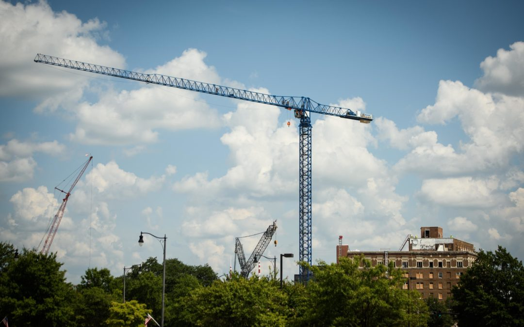 Bryant Industrial Crane & Rigging helps erect Flat Top Tower Crane in North Carolina