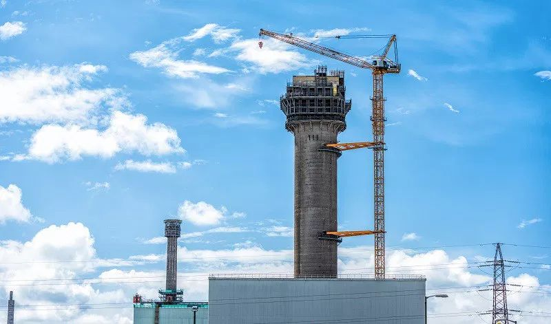 Luffing Jib Tower Crane set to bring down 110 meter nuclear chimney in Britain