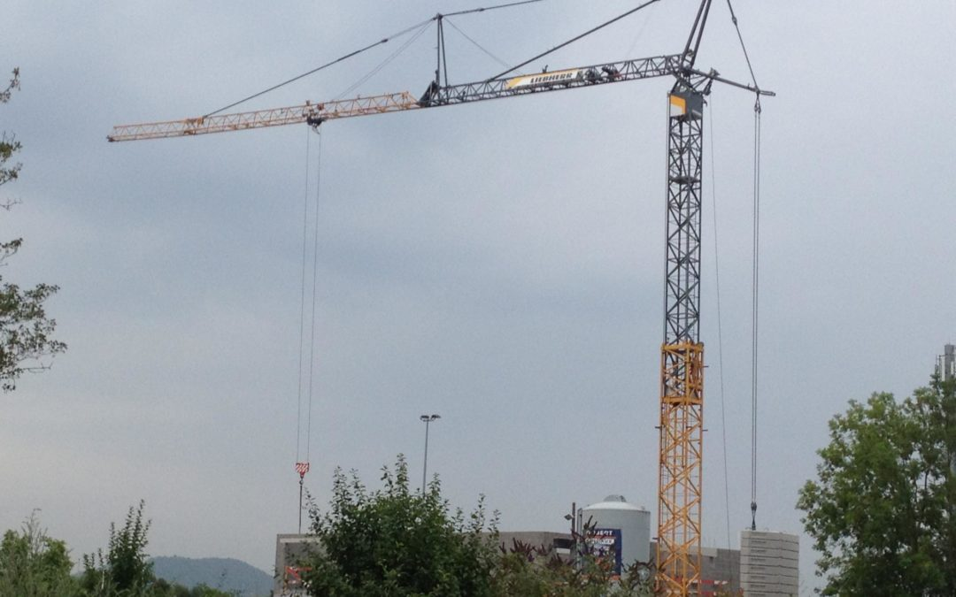 Van Der Spek sells fast erecting Liebherr 81 K.1 tower crane to Tradeco