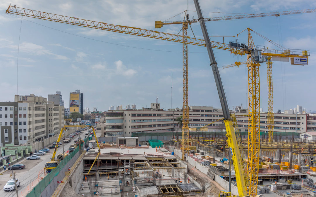 Four Potain Tower Cranes build new police hospital in Peru