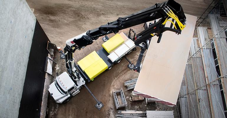 IMT enhances hydraulic loader crane lineup
