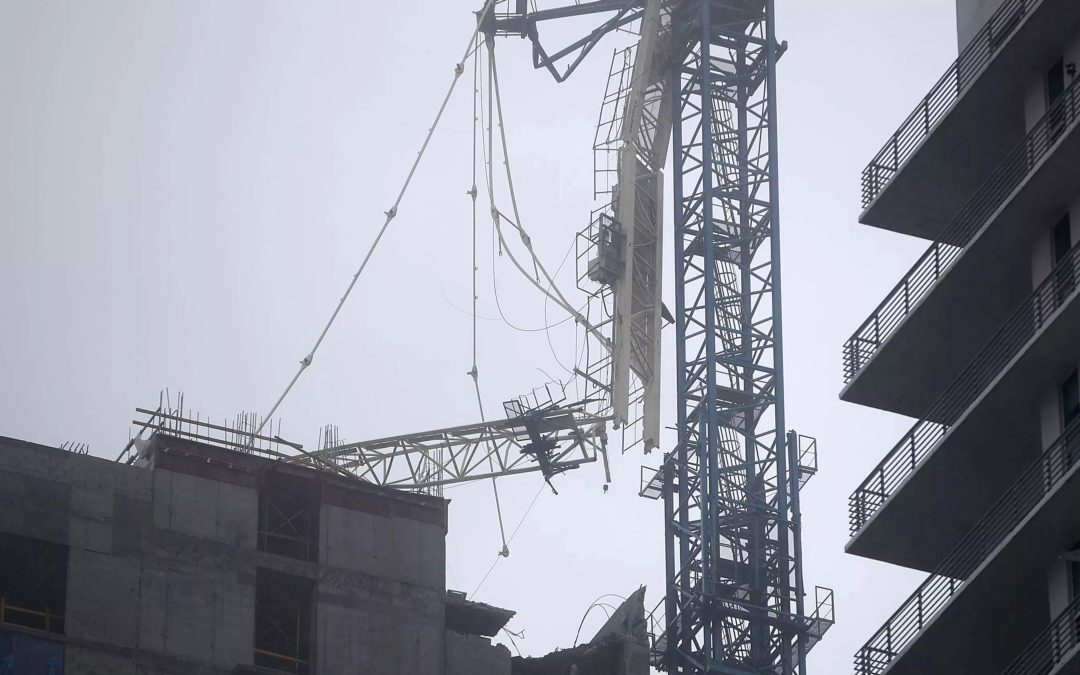 Tower Cranes versus Hurricanes