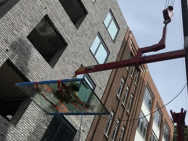 Glass Installation Made Easier with Unic Mini Crane, Libro 2500 Beam and MRT4 Vacuum Lifter