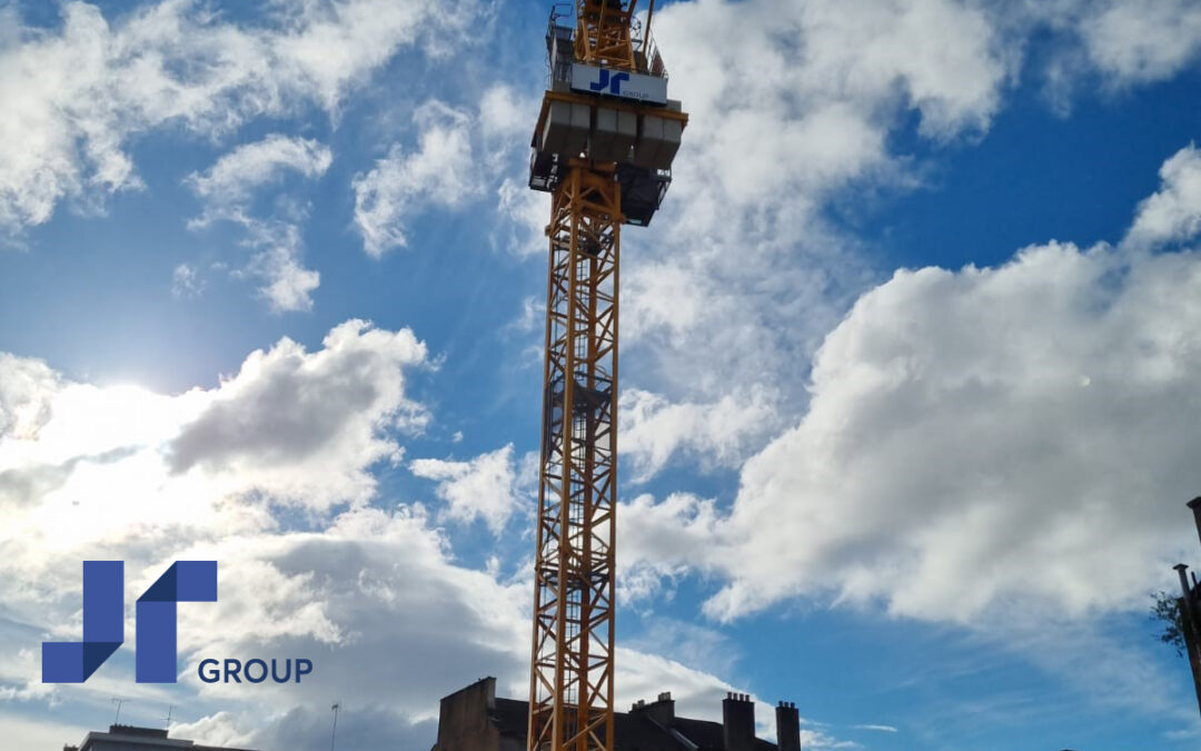 JR Group 62 m Luffing Jib Tower Crane becomes fixture on Glasgow skyline